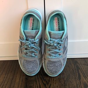 Sketchers Relaxed Fit Memory Foam Tennis Shoes